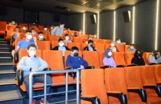 Karasu'da öğrenciler