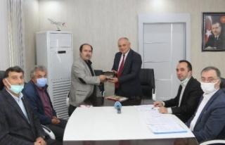 Kayseri Yahyalı Belediyesi'nde memurlara yeni...