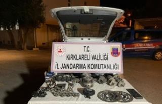 Kırklareli'nde Bulgaristan'dan kaçak getirilen motosiklet...