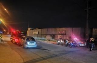 Kocaeli'de iki otomobil çarpıştığı kazada 1...
