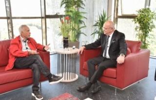 Belediye Başkanı Ergün, Gazeteci Yavuz Donat'ı...