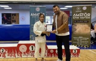 """Manisa'da Judoya """"Sporun Enleri"""" ödülü..."""