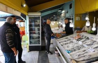 Marmara'daki lüfer bolluğu vatandaşı da balıkçıyı...