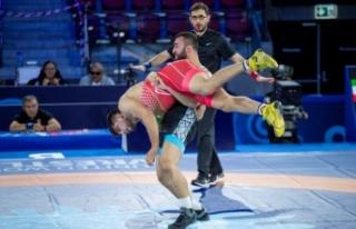 Milli güreşçi Burhan Akbudak, Dünya Şampiyonası'nda...