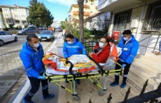 Muğla Büyükşehir, hastaları sağlık kuruluşlarına...