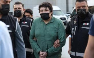 """""""Çiftlik Bank"""" davası sanığı Mehmet Aydın, İstanbul Emniyet Müdürlüğündeki ifade işlemlerinin tamamlanmasının ardından adliyeye sevk edildi"""