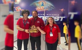 Lise öğrencisi TEKNOFEST 2021'den birincilik ödülüyle döndü