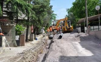 Gölcük İhsaniye'de yağmur suyu altyapısı yapılıyor