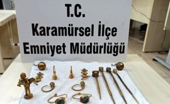 Karamürsel'de araçlarında tarihi eser ele geçirilen 2 kişiye adli işlem uygulandı