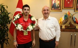 Şamdan'a Darıca'da şampiyonlara yakışan karşılama