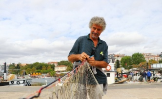 Balıkçılar poyraz nedeniyle denize açılamıyor