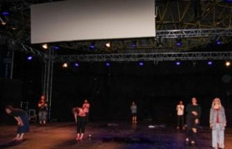"""""""Uluslararası Balkan Ülkeleri Tiyatro Festivali"""" başladı"""