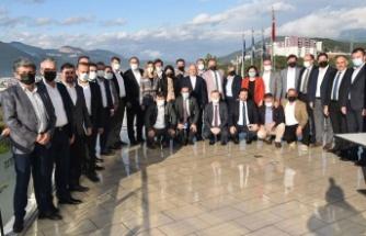 AK Partili ilçe başkanları Gemlik'te buluştu