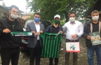 Fatma Kaplan Hürriyet'ten, Down sendromlu gence Kocaelispor sürprizi