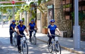 Belediyenin bisikletli zabıta ekipleri hizmete başladı