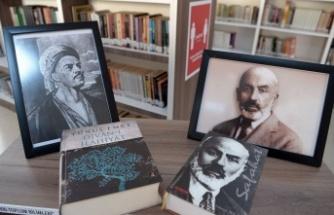 Bursa Osmangazi'de kütüphanelere anlamlı köşe
