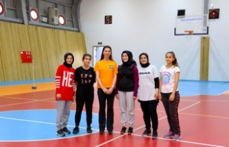 Gebze Cumhuriyet Spor Salonu gençlerin hizmetinde