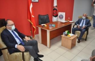 Gölcük Kaymakamı Cengiz Karabulut'tan Gölcükspor'a ziyaret