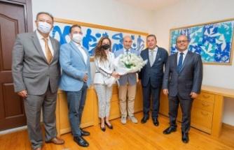 İzmir Skal Kulübü'nden Başkan Soyer'e nezaket ziyareti