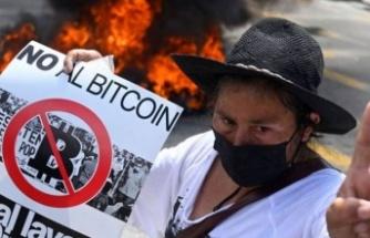 Bitcoin'e El Salvador protestosu