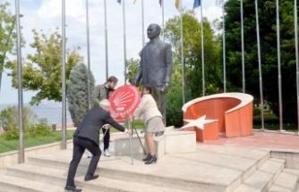 CHP'nin kuruluşunun 98. yıl dönümü dolayısıyla Karamürsel'de tören yapıldı