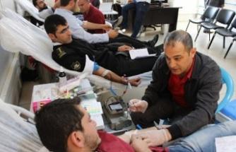 Dicle Elektrik'ten kan bağışı rekoru