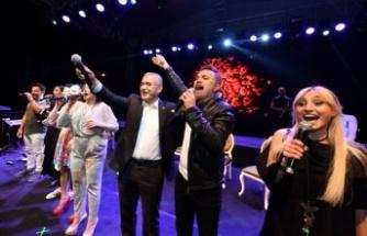 İstanbul Üsküdar'da yaz coşkusu