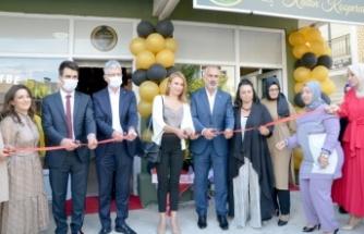 """Karamürsel'de """"Heybe Kadın Kooperatifi""""nin üretim merkezi açıldı"""