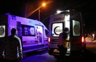 Otomobil park halindeki tankere çarptı: 3 yaralı