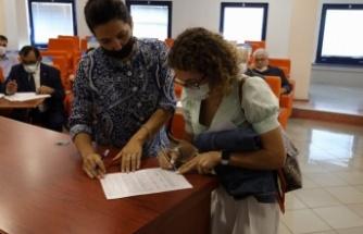 Vadi İzmit'te 55 daire ailelere yuva oldu
