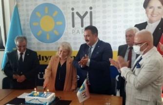 Adıyaman'da İYİ Partililerden 4. yıl kutlaması