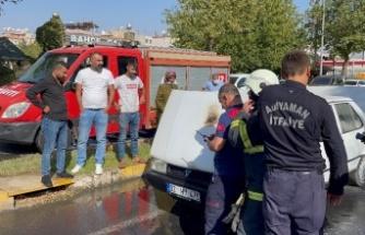 Adıyaman'da seyir halindeki otomobil alev aldı