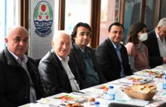 Lapseki Belediye Başkanı Eyüp Yılmaz esnafa kapalı pazar yeri projesini anlattı
