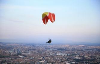 Sakarya'da yamaç paraşütçülerinin gözde adresi: Kırantepe