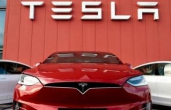 Tesla'nın piyasa değeri trilyon doları aştı