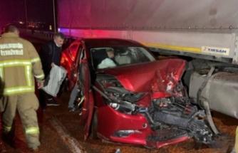 Yola dökülen salçalar nedeniyle kayan 18 araç çarpıştı, bir kişi öldü, 10 kişi yaralandı