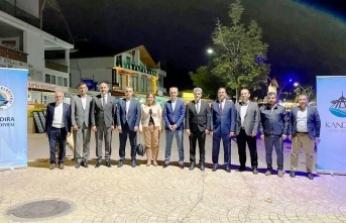 Kocaeli'de kent konseyi başkanları ve genel sekreterleri Kerpe'de buluştu