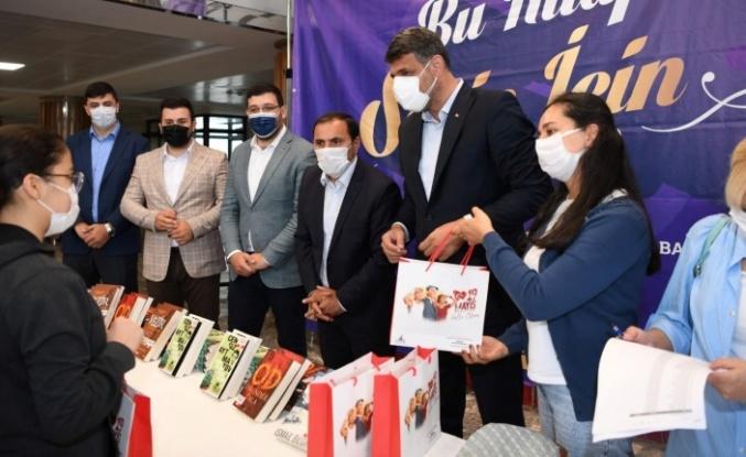 Başkan Kocaman'dan 900 Gence Kitap Seti