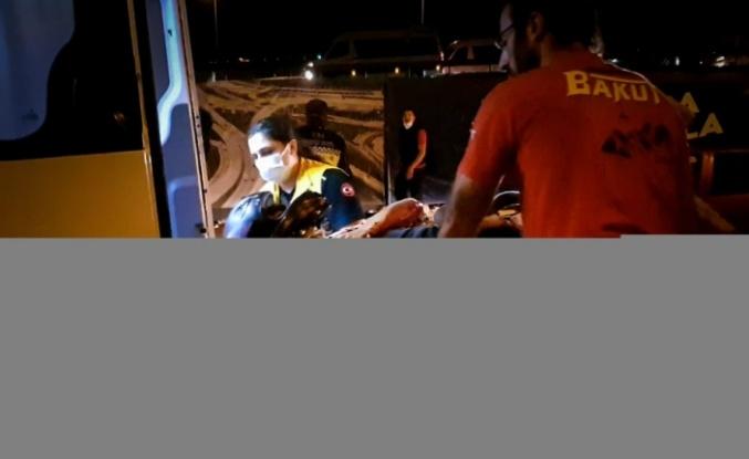Bariyerlere çarpan motosikletteki 2 kişi ağır yaralandı
