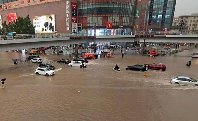 Çin'deki selde can kayıpları artıyor