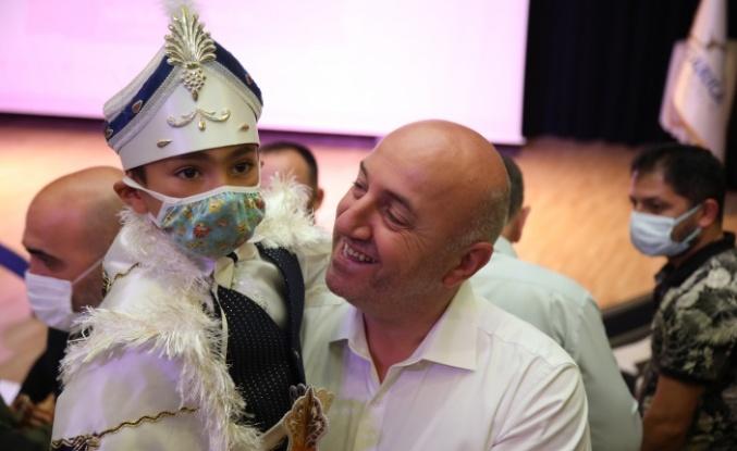 Darıca'da 500 çocuk erkekliğe ilk adımı attı