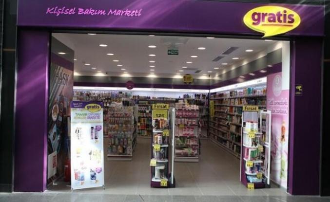 """Gratis Türkiye'nin """"en cool kozmetik mağazası"""" seçildi"""
