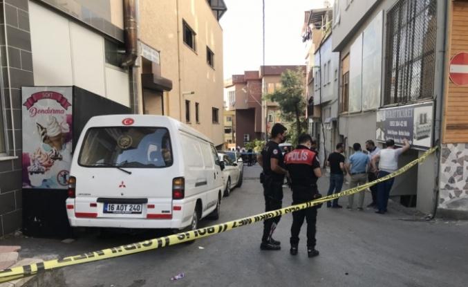 Bursa'da aynı mahalledeki iki ayrı silahlı kavgada 2 kişi öldü