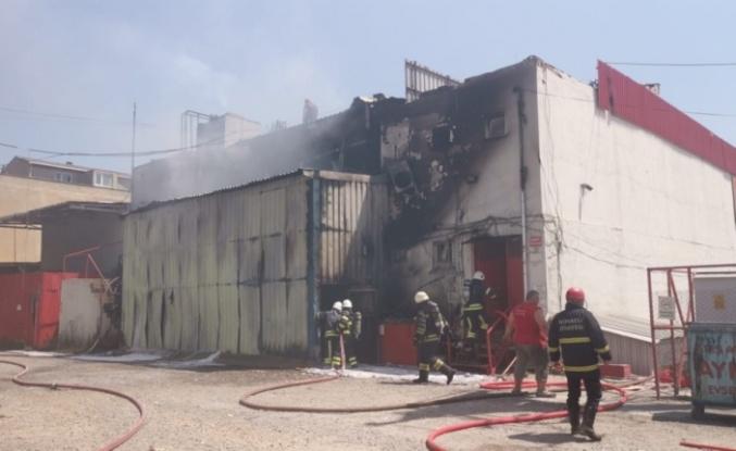 Gebze'de fabrikada çıkan yangın hasara neden oldu
