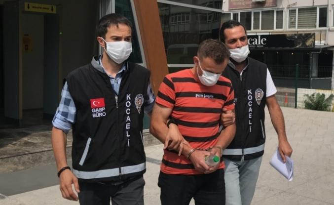 Dilovası'nda kuyumcudaki gaspla ilgili İstanbul'da yakalanan şüpheli adliyeye sevk edildi