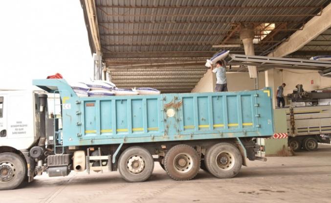 Manisa'dan yangın bölgesine 45 ton yem desteği