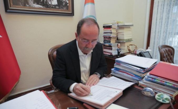 Belediye Başkanı Gürkan, sera gazı emisyonlarını azaltmayı taahhüt eden sözleşmeyi imzaladı