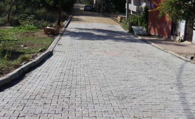 İzmit Alikahya Fatih Mahallesi'nde parke yol yapıldı