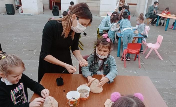 Bilecik'te çocuklar Yaşayan Şehir Müzesi'ndeki etkinliklerle kültürlerini tanıyor